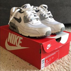Nike Air Max 90 Essential White/Gray in Women's 8